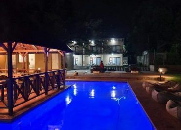 Agulhas House outside pool area