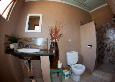 Occi Lodge en-suite room bathroom